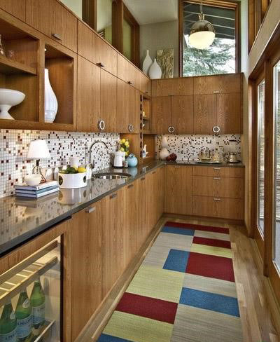 https://www.chidaneh.com/image/post/upload/chidaneh-43403-5ed101670e434b6b1566-w400-h522-b0-p0-midcentury-kitchen.jpg?itok=d0X8kNCs